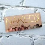 In love with the rose-hued shadows in the Urban Decay Naked 3 palette