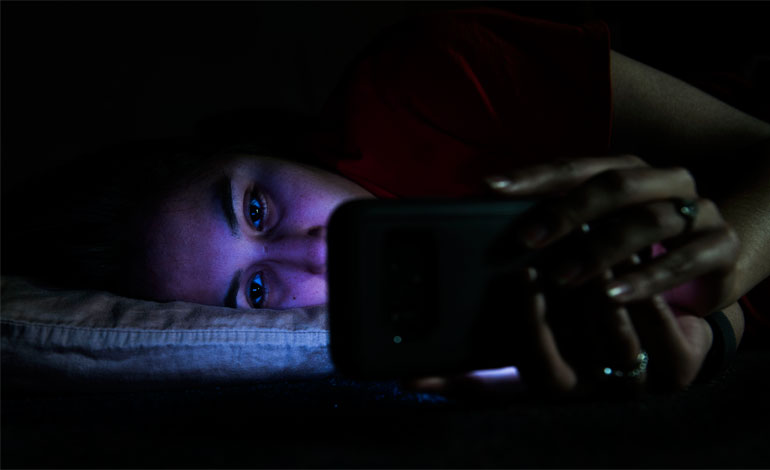 Avoid-Technology-Before-Bed