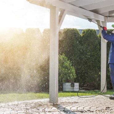5 Dos and Don'ts of Cleaning Your Roof